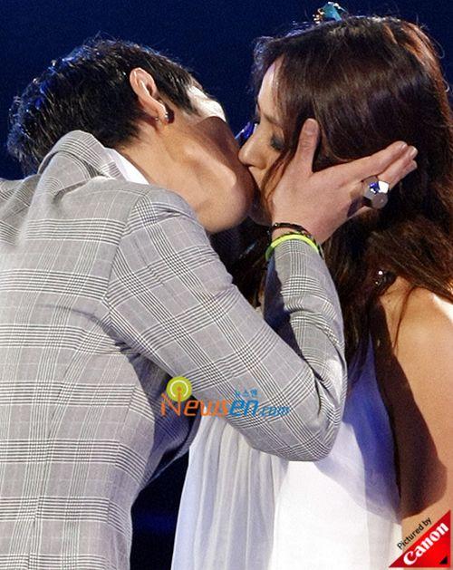 2PM và Ivy sẽ bắt tay gây shock như nụ hôn giữa T.O.P và Lee Hyori