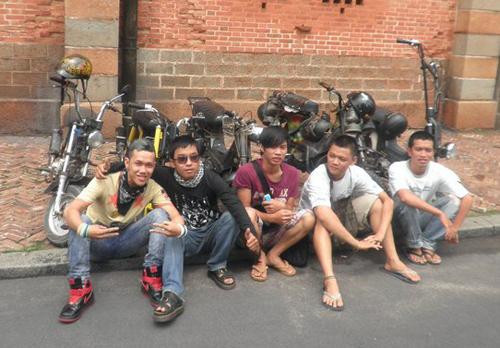Hội teen 'độ' xe Chaly 'quái dị' ở Sài thành