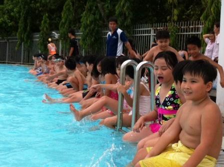 Dạy bơi cho học sinh: Xóa dần bơi trên giấy - Hình 1