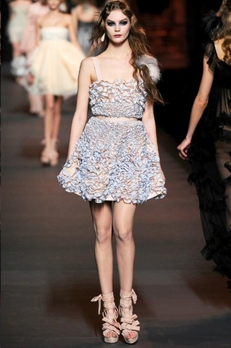Ấn tượng và lãng mạn BST Thu Đông 2011 của Christian Dior - Hình 27