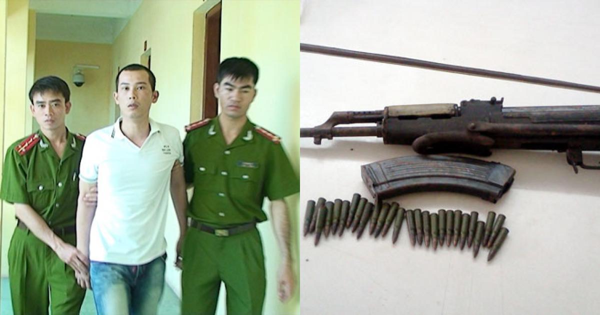Bắt khẩn cấp 2 đối tượng tàng trữ súng AK báng gập