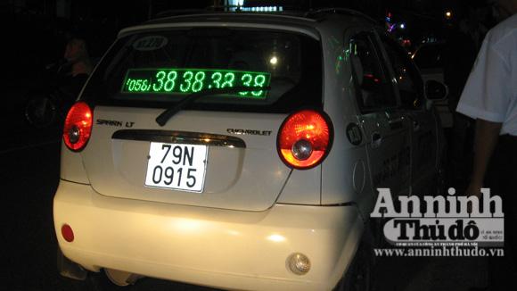 Tài xế taxi Mai Linh chạy ẩu gây tai nạn - Hình 1