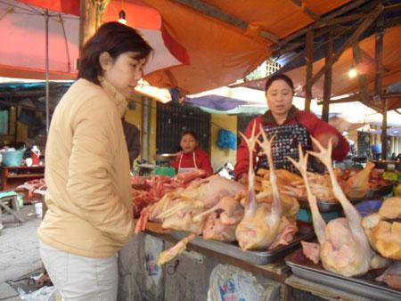 Thực phẩm sau Tết: Giá thịt leo cao, giá rau hạ nhiệt - Hình 1