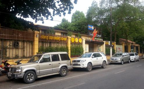 Bảo tàng vắng khách, nhà hàng bủa vây