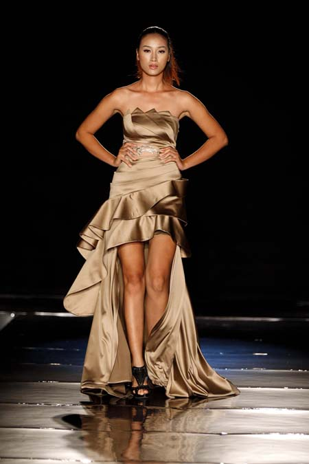 Ngọc Oanh duyên dáng trong show diễn Thời trang và Cuộc sống - Hình 5