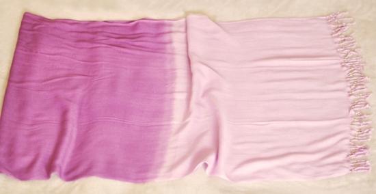 Áo khoác nữ tính từ khăn quàng cổ - Hình 3
