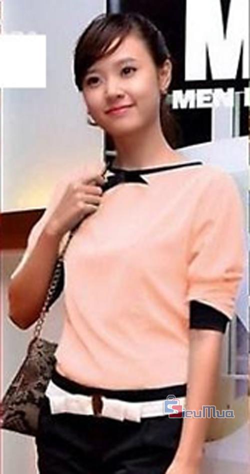 Áo voan nơ Midu giá chỉ có 115.000đ, thiết kế đơn giản, đính kèm nơ ở cổ xinh xắn cho bạn gái nét đẹp trẻ trung và thật dịu dàng. - Hình 3
