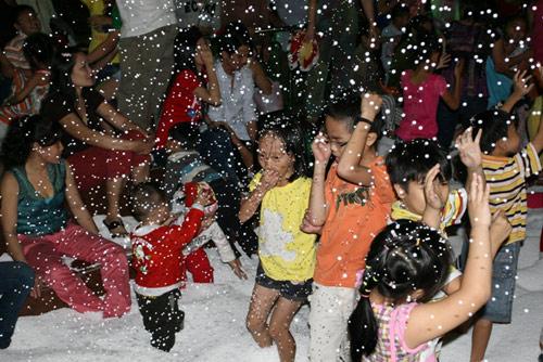 Noel ngắm tuyết rơi ở TP. Hồ Chí Minh.