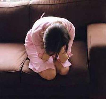 Có thai vì bị anh trai cưỡng hiếp - Hình 1