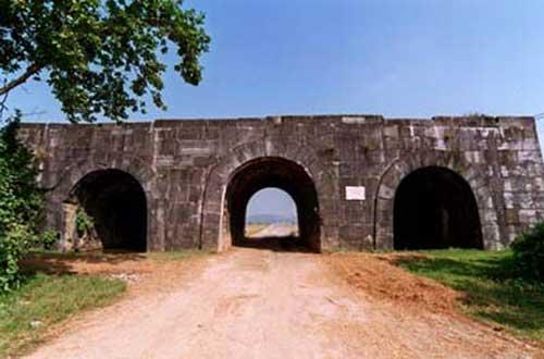 Ngắm 3 thành cổ được UNESCO vinh danh - Hình 1