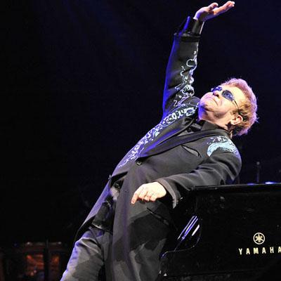 Elton John lại châm ngòi cuộc chiến với Madonna - Hình 1