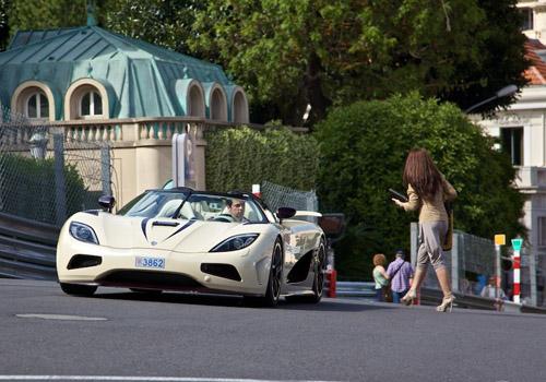 Hoa hậu siêu xe Koenigsegg Agera R dạo phố Monaco - Hình 1