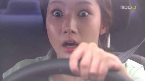 Bác sĩ Park Min Young gặp tai nạn ngay ngày ra trận - Hình 1