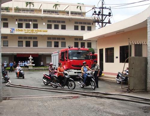 Cháy Công ty Dệt Đông Nam - Hình 1