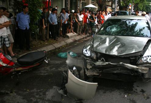 Chủ xe Civic đâm 6 người bị thương là Đội phó CSGT - Hình 1