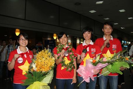 Hai chị em cùng đoạt huy chương Olympic quốc tế - Hình 1