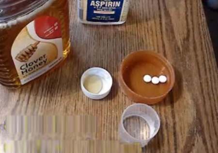 Mẹo làm mặt nạ aspirin đặc trị mụn bọc - Hình 1