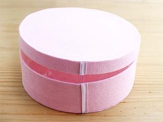 Trang trí hộp quà thành hình bánh kem hấp dẫn