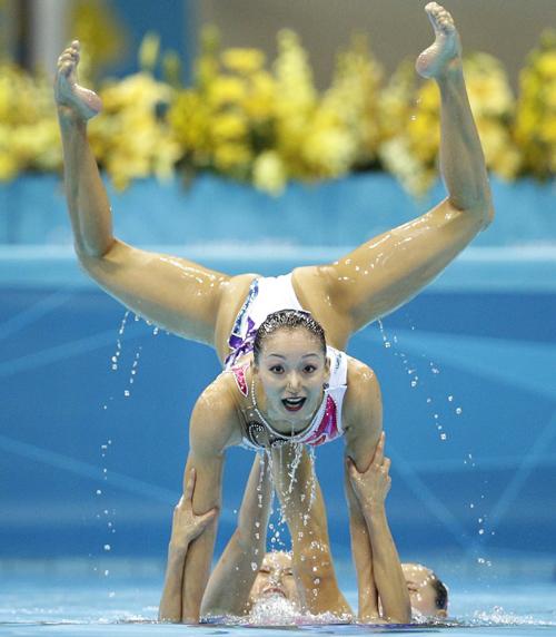 Ảnh ấn tượng về các kiều nữ bơi nghệ thuật - Hình 3