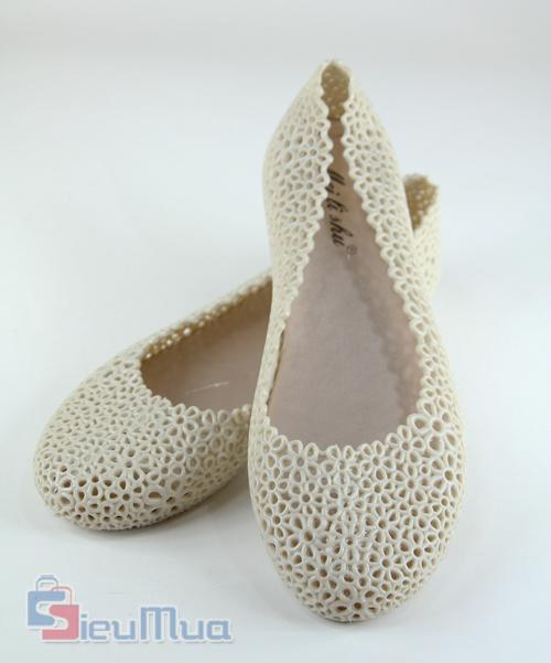 Giày búp bê kết hoa giá chỉ có 89.000đ, được làm từ chất liệu nhựa cao cấp, kiểu dáng trẻ trung, hiện đại, thích hợp với các bạn gái trẻ. - Hình 3