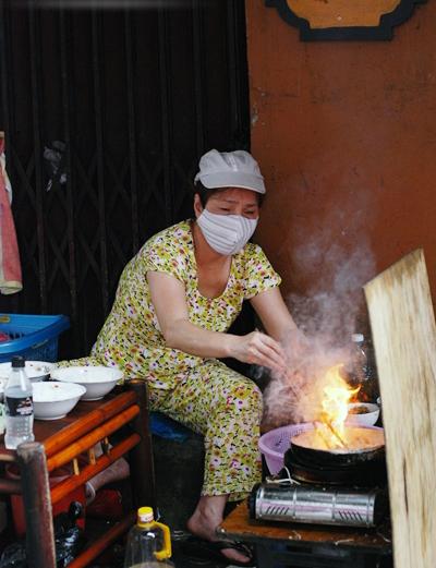 Đi ăn bún bò Nam Bộ chuẩn ở Hà Nội