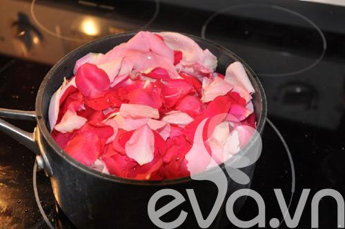 Nhật ký Hana: Tự làm nước hoa hồng - Hình 2