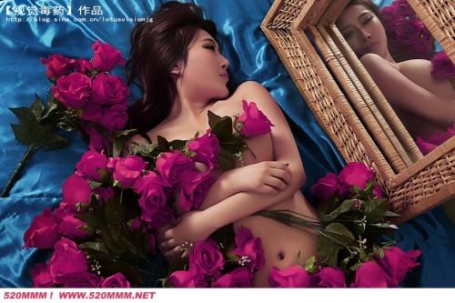 Ảnh girl xinh Trung Quốc khoe ngực táo bạo - Hình 1