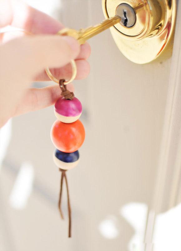Dây đeo chìa khóa hạt gỗ xinh xinh