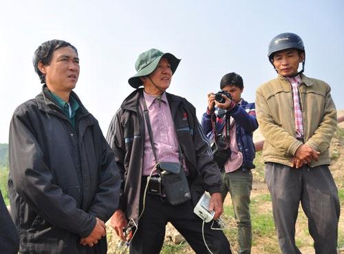 Vụ Cát Tường: Thuê máy múc đào sâu 30m tìm xác nạn nhân