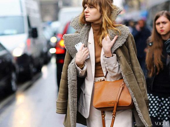 Xu hướng khoác áo kiểu Victoria Beckham lên ngôi