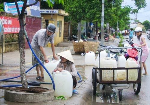 Phí nước thải: Đừng thấy dân dễ mà thu - Hình 1