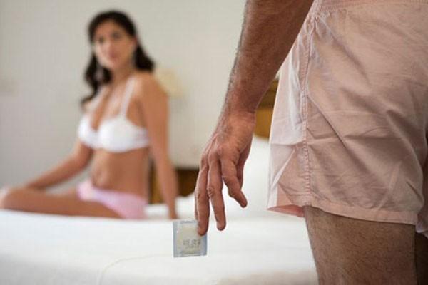 Điểm khác biệt giữa vợ và gái là vợ sạch và an toàn