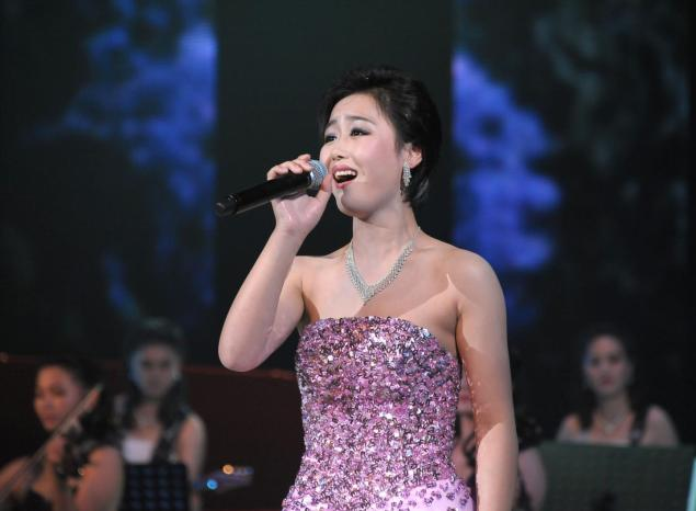 Xem ban nhạc nữ của ông bầu Kim Jong Un biểu diễn - Hình 4
