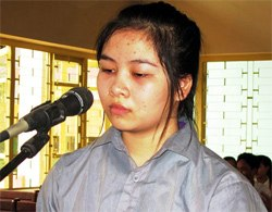 Nữ sinh đâm chết bạn lĩnh 4 năm tù doc truyen 2