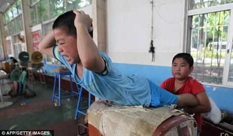 """Khóa đào tạo """"lạ"""" tại Trung Quốc"""