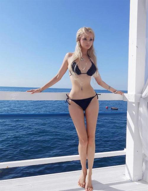 Đường cong cô gái giống búp bê barbie tới 99% sexy 5