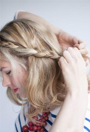 Cách tết tóc mái đôi dễ thương - Hình 4