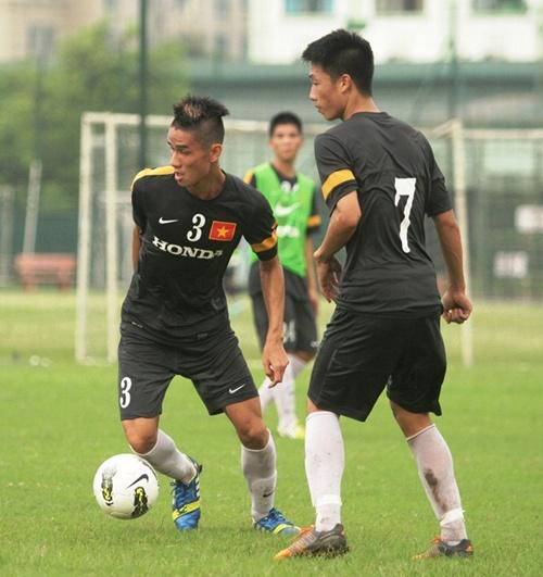 Cầu thủ Việt Nam giống y nhân vật phim Tình người duyên ma - Hình 3