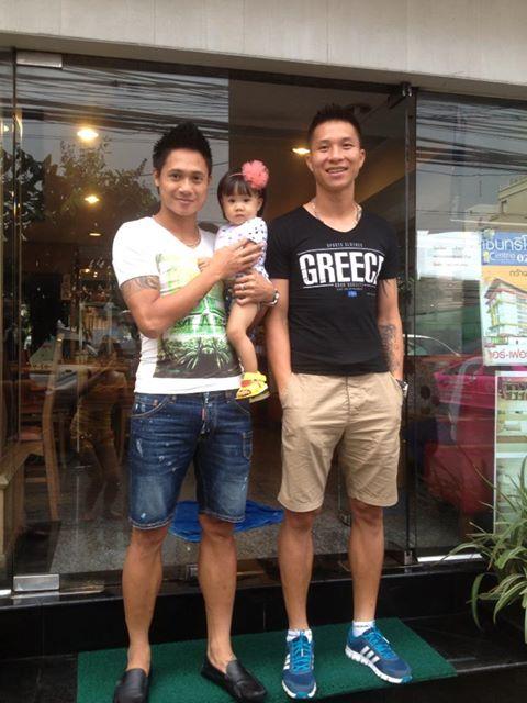 Thủ thành Mạnh Dũng cùng gia đình du hí tại Thái Lan - Hình 2