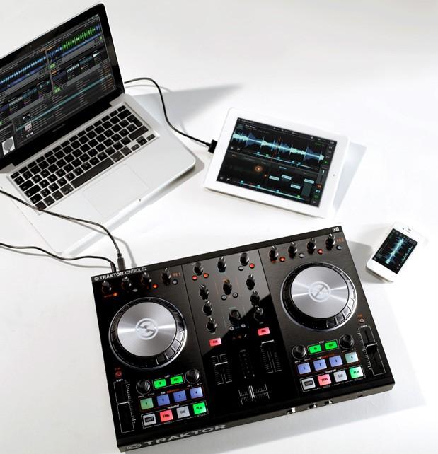 Native Instruments giới thiệu hệ thống mix nhạc Traktor Kontrol S4 và S2 mới, hỗ trợ iOS - Hình 1