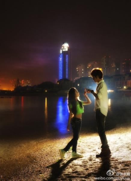 Những cặp đôi nghệ sĩ châu Á bị ném đá tơi bời vì lệch tuổi
