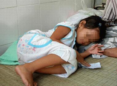 Vợ giúp chồng hiếp dâm em gái 7 tuổi loan luan 5