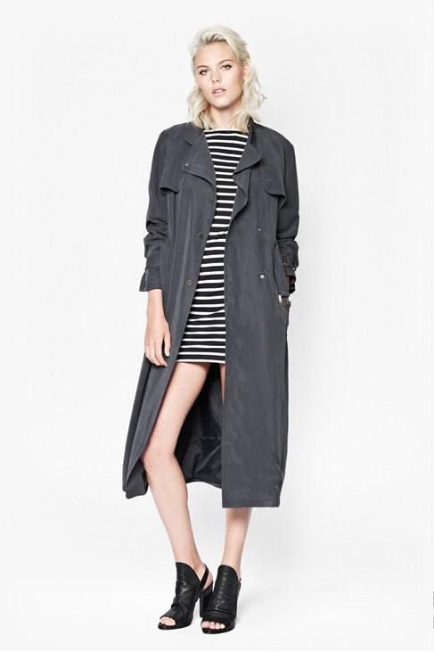 8 chiêu diện áo khoác trench mùa lạnh - Hình 8