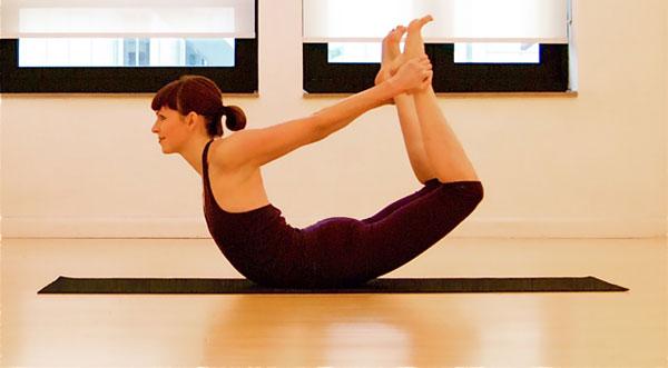 4 bài tập yoga đơn giản giúp eo thon, dáng đẹp - Hình 3