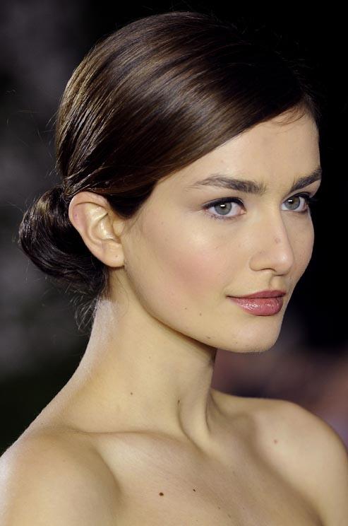 10 kiểu tóc búi sang trọng và dễ làm