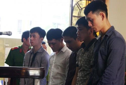 Thiếu niên 15 tuổi giết người vô cớ pha trinh 6