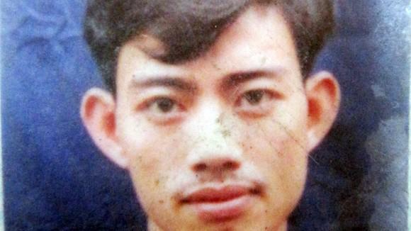 Gã chủ quán karaoke giết vợ và ả nhân viên chích máu uống thề chôn sâu tội ác man rợ chup chom 2