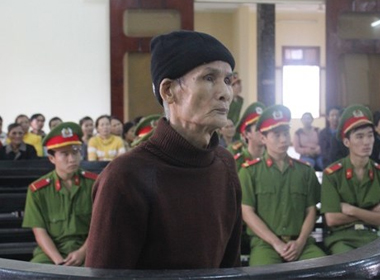 Chém chết con dâu và bạn trai, ông lão 74 tuổi lĩnh án chung thân sac hiep 3