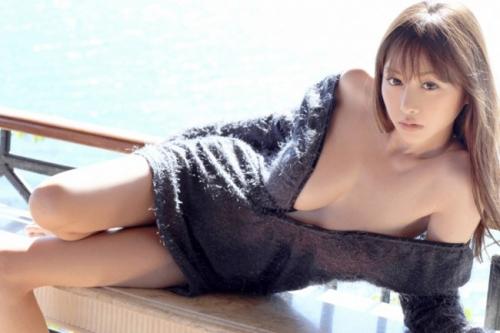 Diễn viên phim sex Anri Sugihara đa tài 10