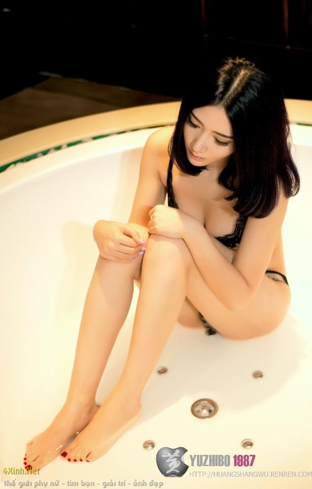 Bộ ảnh đẹp nội y Châu Á khoe vòng 1 gợi cảm khoa than 3